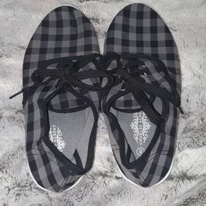 Charles albert canvas shoes NWOT